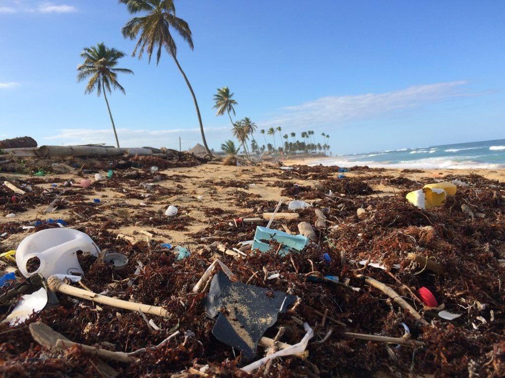 Bali strand plastic