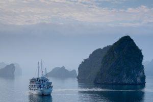 Halong bay - Vietnam . Rejser
