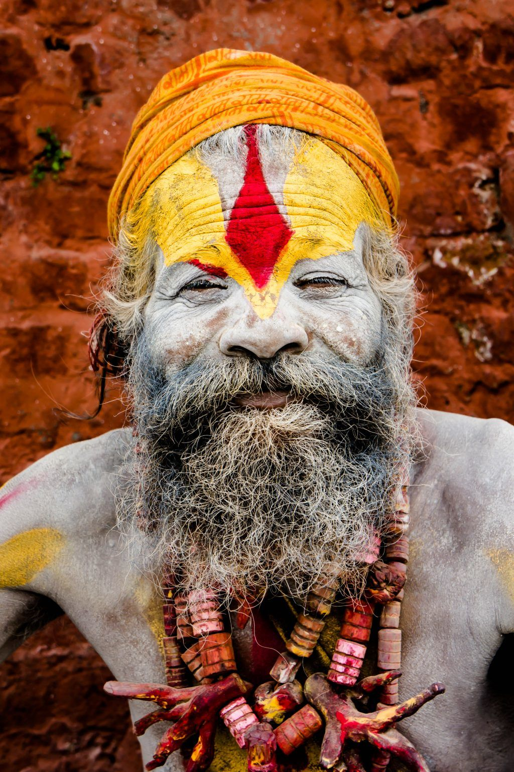 Peter Frank - mand med farver - nepal
